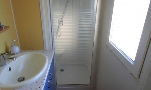 mobil home standard 4/6 places (+10 ans) salle de bain